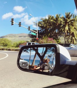 Love at a traffic stop. 💙🚦🌴